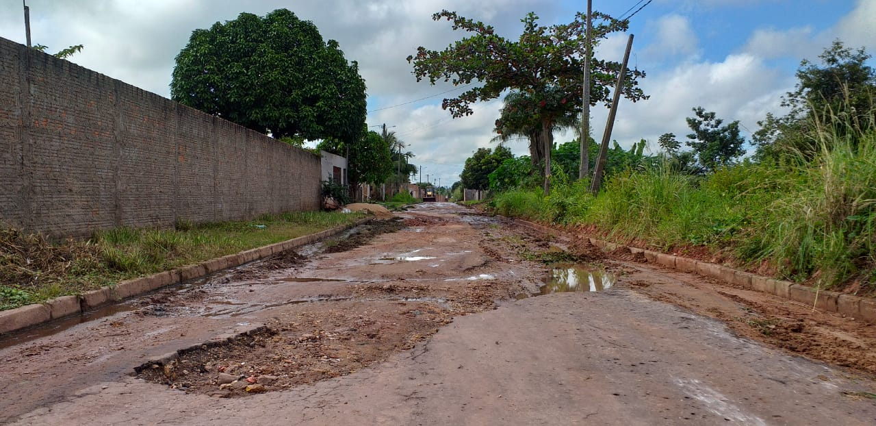 Serviços de limpeza e recuperação da Rua Elder Madeira foram iniciados pela Sinfra!